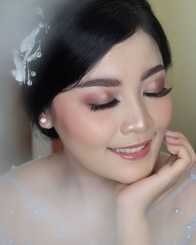 engagement makeup by White Make Up and Hair Do - 010