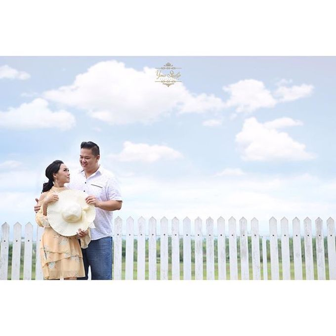 Prewedding Shoot 1 by Yonz Studio Photograph - 009