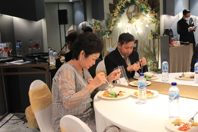 MC Wedding Double V Entertainment at JHL Solitaire Serpong by Double V Entertainment - 018