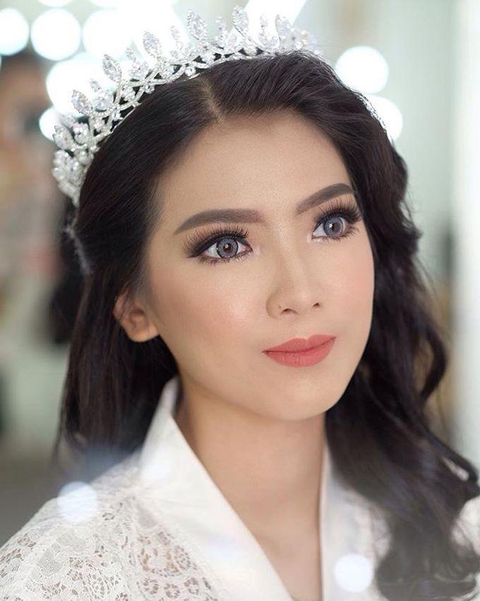 Headpiece & Crown by Ilona Headpiece & Crown - 011