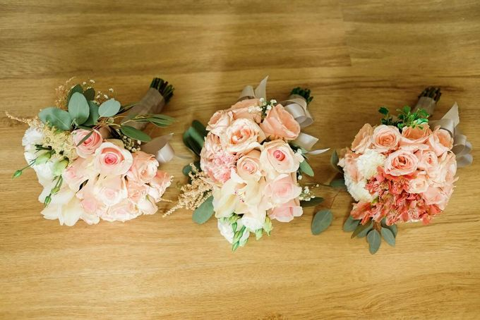 Entourage Flowers by Natural Art Flowers and Decors - 020