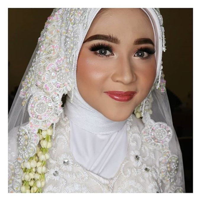 Muslimah Bride by R & E Bridal - 005