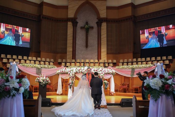 THE WEDDING OF YUDI & SHERLY by The Wedding Boutique - 013