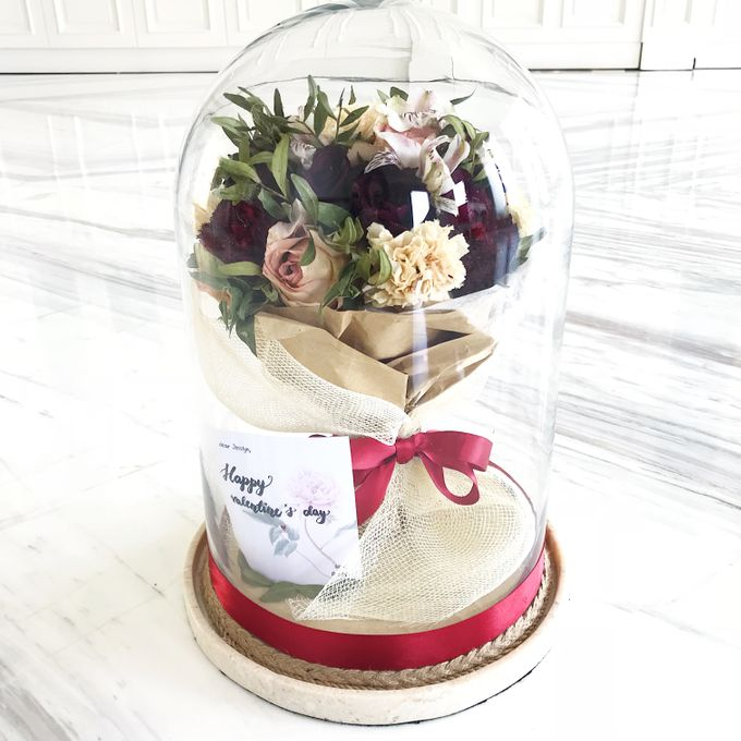 Dome Valentines day Bouquet by CONSERVÉ FLOWER PRESERVATION - 001
