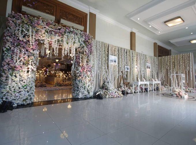 The Wedding of Vina Haqqi by Eden Design - 002