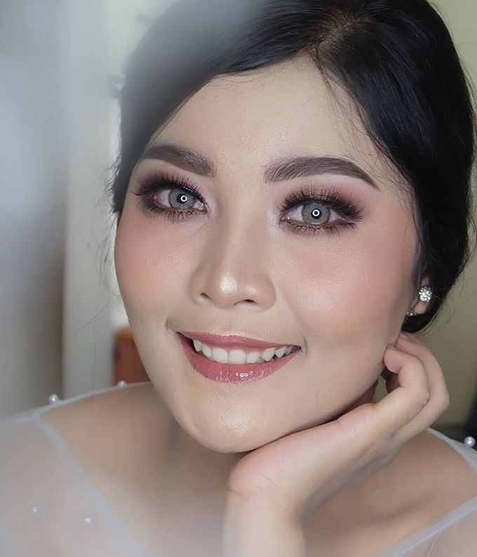 engagement makeup by White Make Up and Hair Do - 008