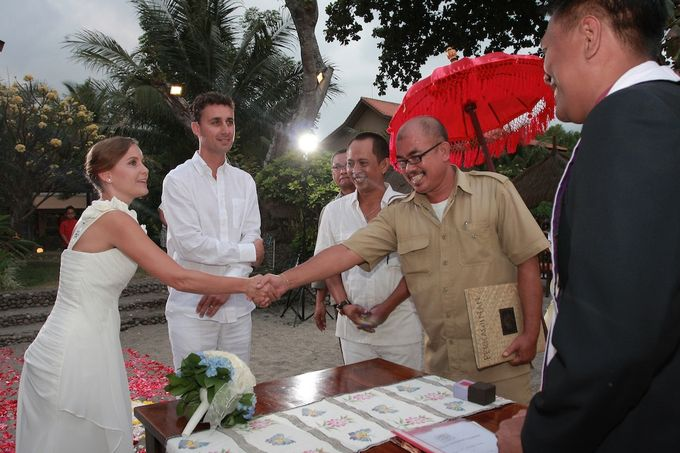 Beach Wedding by lombok wedding planner - 005