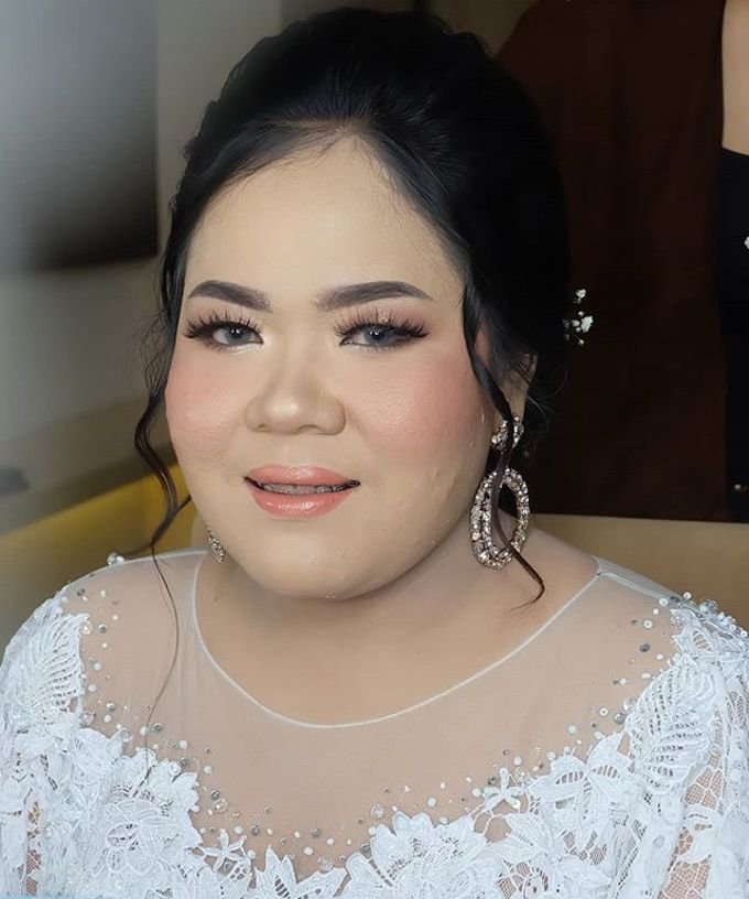 Risa kusuma wedding by White Make Up and Hair Do - 004