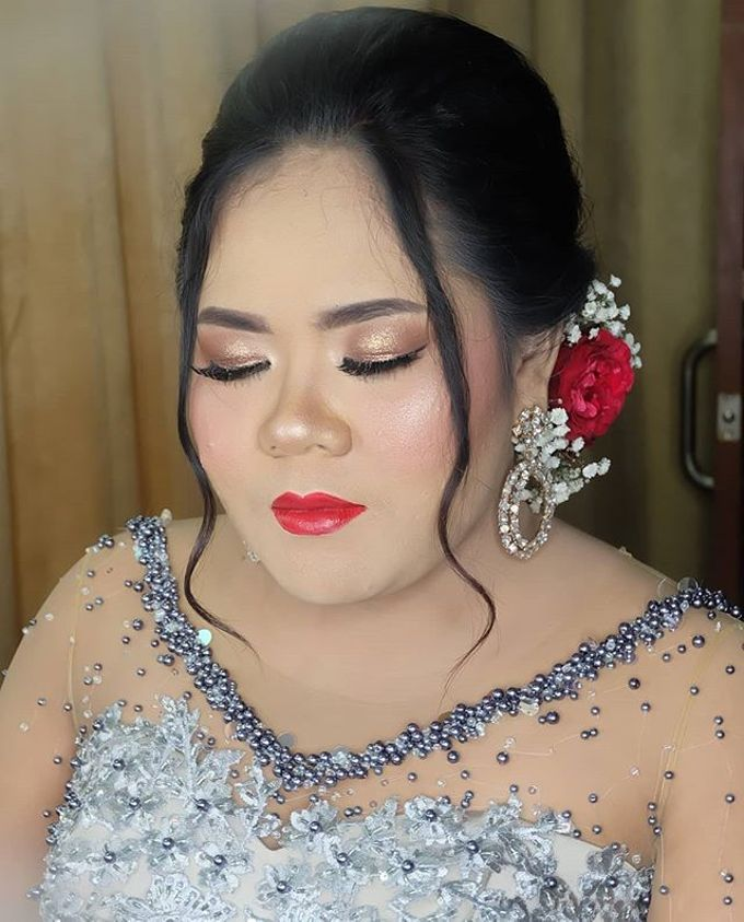 Risa kusuma wedding by White Make Up and Hair Do - 001