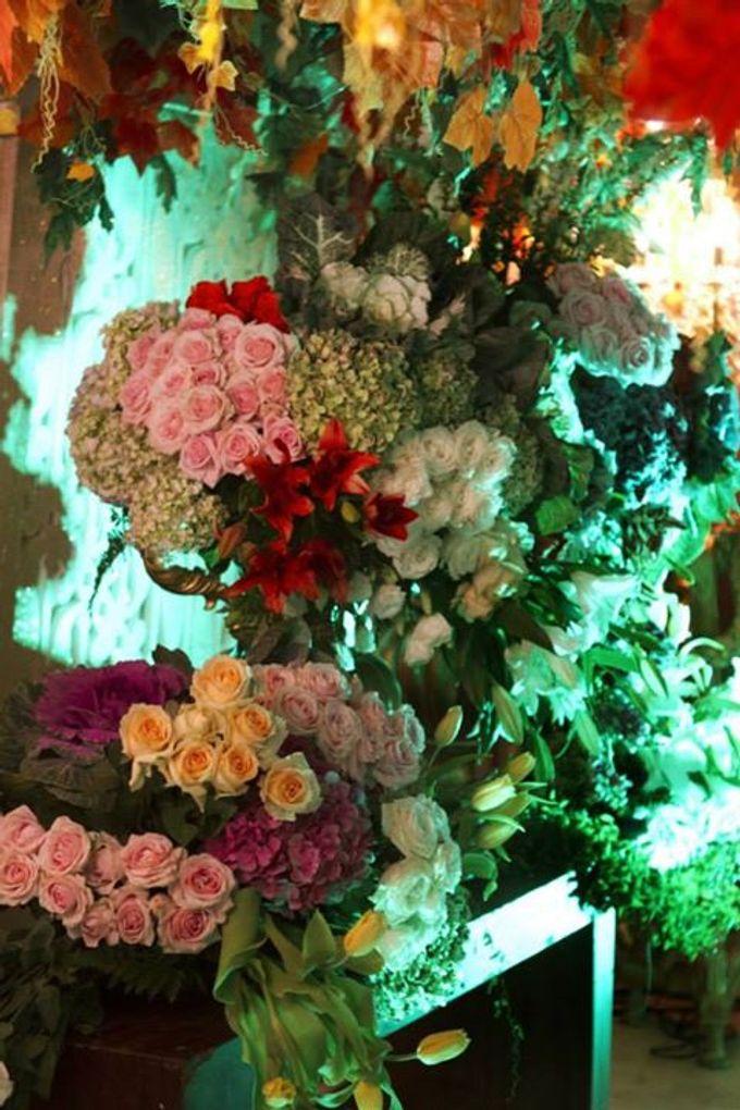 Tema Jawa Berhiasi Taman by Watie Iskandar Wedding Decoration & Organizer - 004
