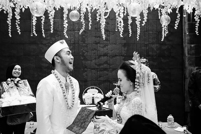 Extra Ordinary Traditional Wedding | Damar + Selly | by YSD by YSD Photography - 024