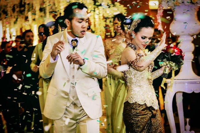 Extra Ordinary Traditional Wedding | Damar + Selly | by YSD by YSD Photography - 030