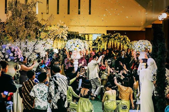 Extra Ordinary Traditional Wedding | Damar + Selly | by YSD by YSD Photography - 031