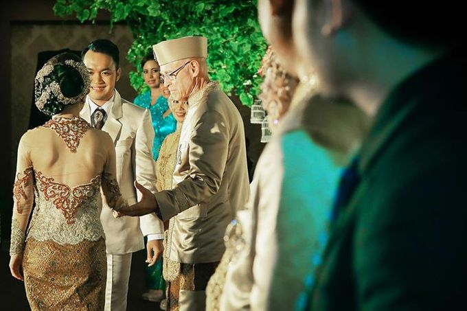 Extra Ordinary Traditional Wedding | Damar + Selly | by YSD by YSD Photography - 035