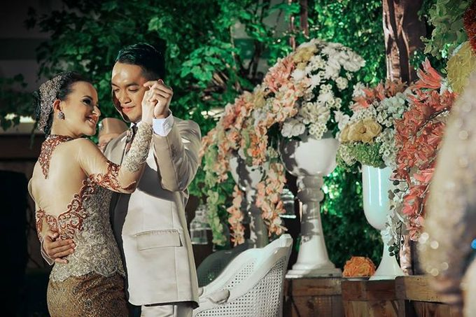 Extra Ordinary Traditional Wedding | Damar + Selly | by YSD by YSD Photography - 036