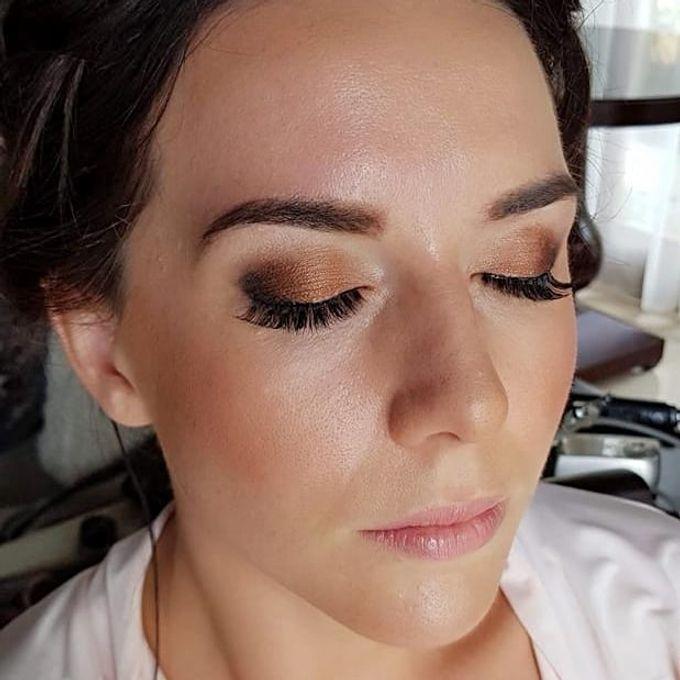 Airbush makeup by Bali Hair and Makeup  / Anja buerck - 010