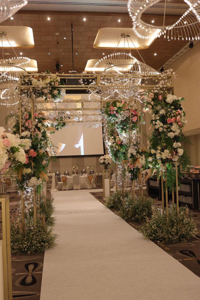 MC Wedding Double Tree Hotel Jakarta - Anthony Stevven by DONNY LIEM The Make Up Art - 011