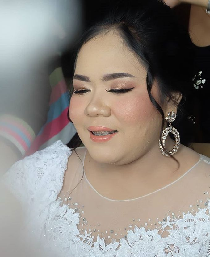 Risa kusuma wedding by White Make Up and Hair Do - 003