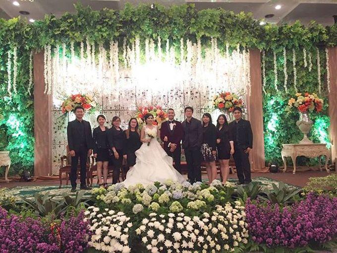 Wedding day by Lifetime Moment Organizer - 004