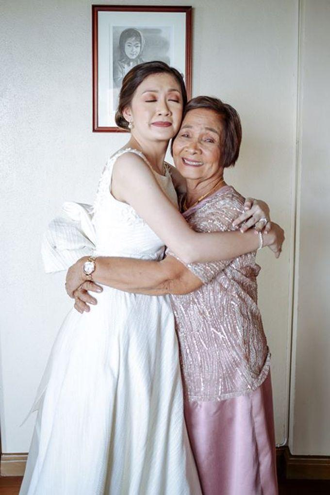 Dra  Godfrey and Dra  Kamille Tagaytay Wedding by MIC MANZANARES PHOTOGRAPHY - 044