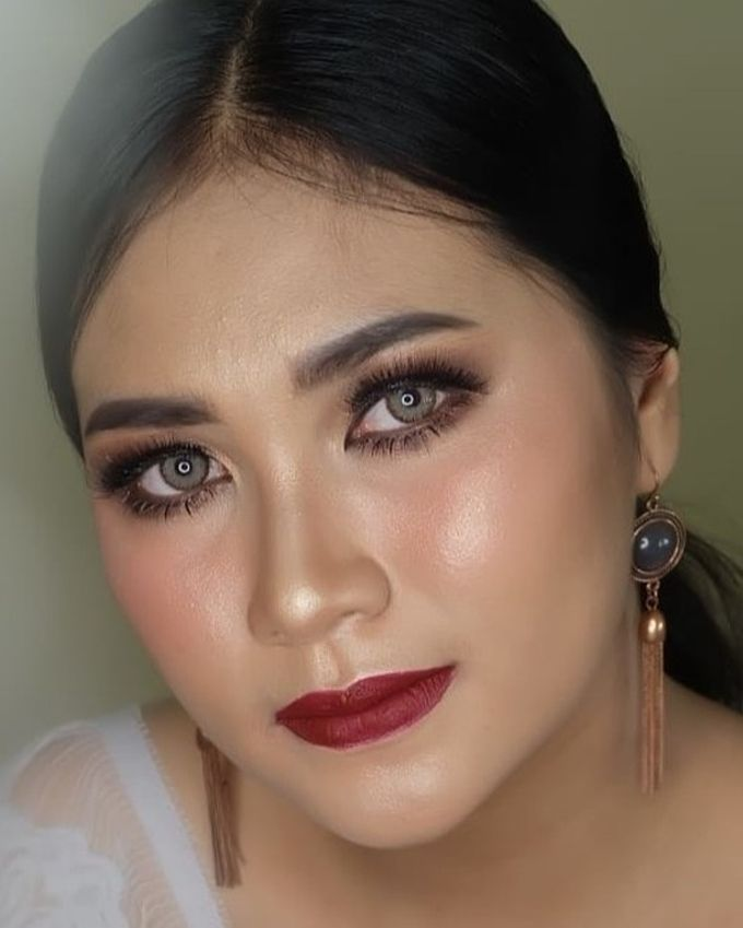 engagement makeup by White Make Up and Hair Do - 002