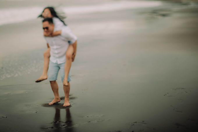 PRE - WEDDING DANIEL & KARINA BY HENOKH WIRANEGARA by All Seasons Photo - 039