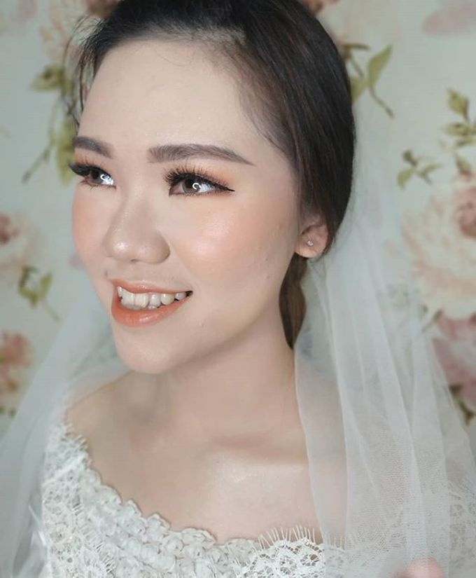 Bride Makeup by Desy Lestari Makeup - 004