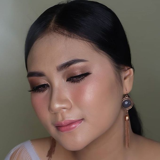 engagement makeup by White Make Up and Hair Do - 004