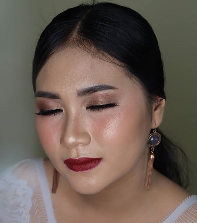 engagement makeup by White Make Up and Hair Do - 003