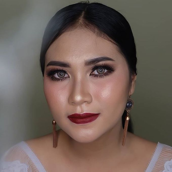 engagement makeup by White Make Up and Hair Do - 001