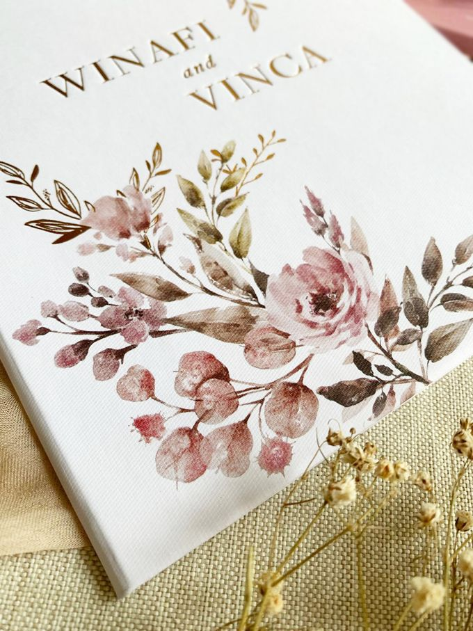 Modern Floral by Trouvaille Invitation - 007
