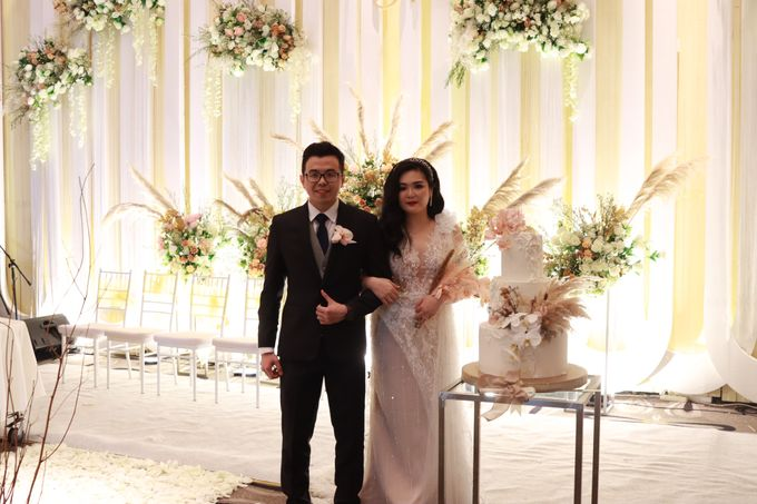 Lounge Jazz wedding band at Double Tree Jakarta by Double V Entertainment by Double V Entertainment - 038