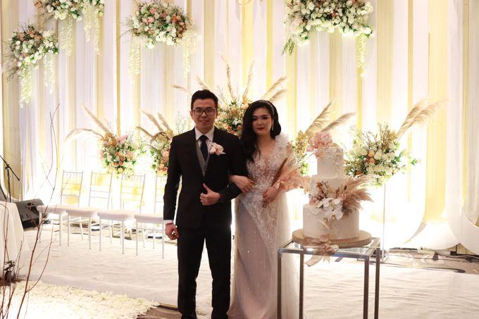 Lounge Jazz wedding band at Double Tree Jakarta by Double V Entertainment by Double V Entertainment - 038