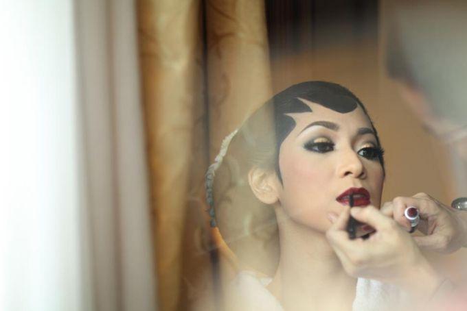 Wedding make up for Tara Rawindra (Javanese Paes& Padang) and Kathya Paramitha (National) by Yoga Septa Make Up Artist - 003