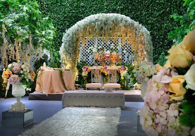 The Enchanted Forest by Flora Lines Decoration - 003