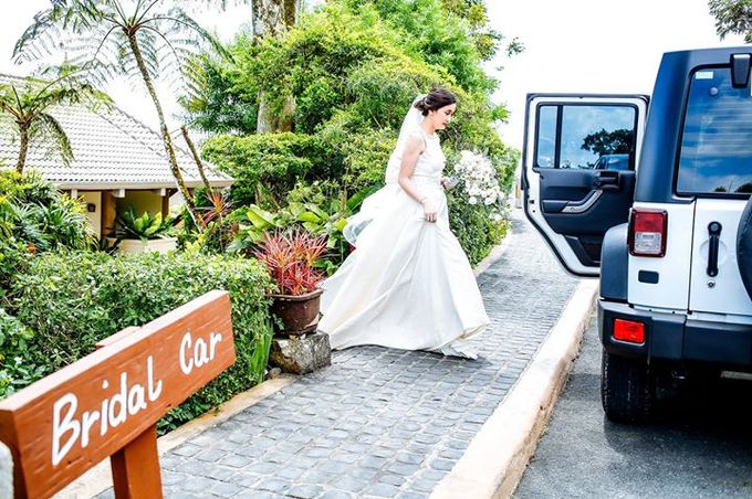 Dra  Godfrey and Dra  Kamille Tagaytay Wedding by MIC MANZANARES PHOTOGRAPHY - 043