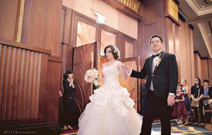 Hendra + natalie   wedding by alivio photography - 015