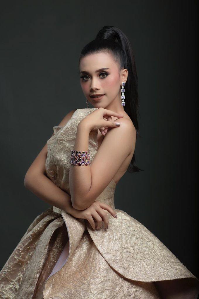 New Collection Gaun & Busana Pengantin by Hengki Kawilarang Couture - 003