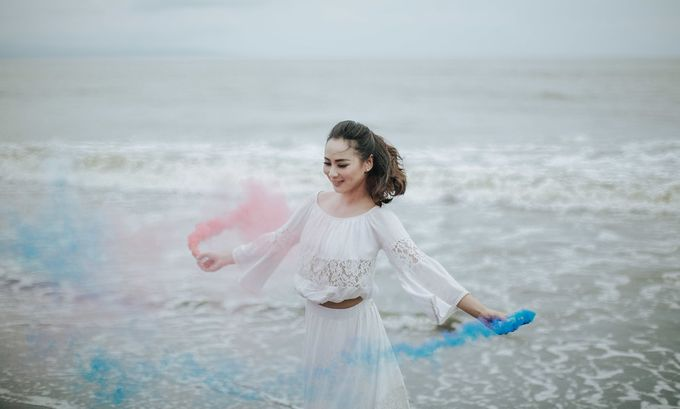 PRE - WEDDING EDWIN & YOMEDIKA BY RIO YAPARI by All Seasons Photo - 043