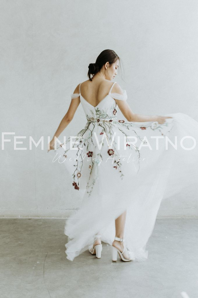 Hand Painted Gowns by Femine Wiratno - 003