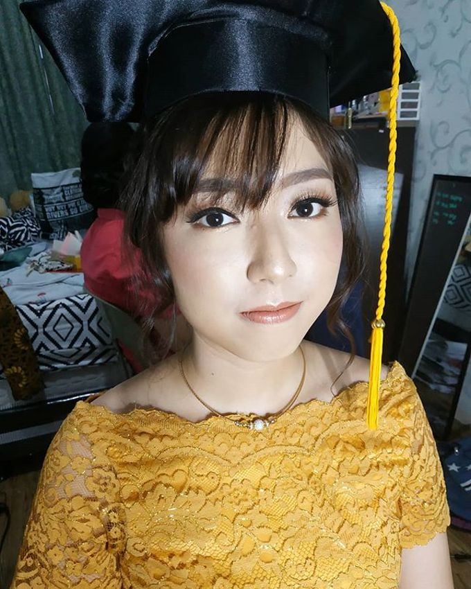 Graduation Makeup by Desy Lestari Makeup - 012