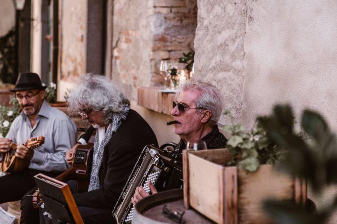 Alternative Wedding in Tenuta Mocajo in Tuscany  Italy by Fotomagoria - 048