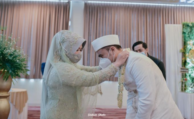 The Ballroom Wedding Of Muti & Adhi by Fave Hotel Hypersquare - 001