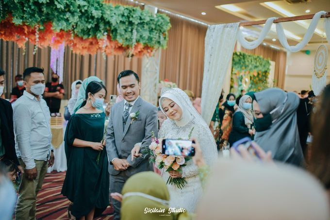 The Ballroom Wedding Of Muti & Adhi by Fave Hotel Hypersquare - 003