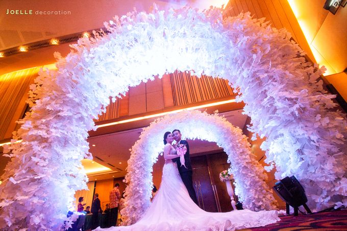 Minimalist vintage blue wedding by joelle decoration bridestory add to board minimalist vintage blue wedding by hotel ciputra jakarta 005 junglespirit Image collections