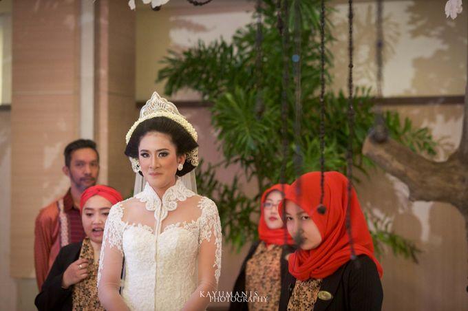 Gessa And Adjie Wedding Ceremony by D&D Professional Make Up Artist & Kebaya By Dindin Nurdiansyah - 005