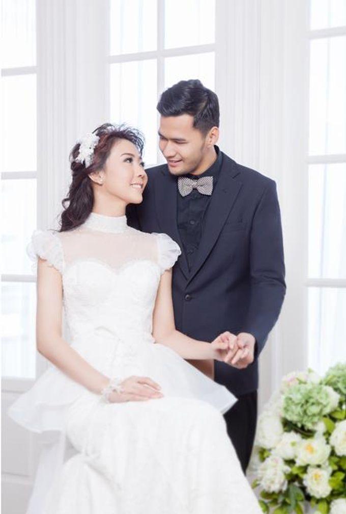 Indoor Prewedding 03 by King Foto & Bridal Image Wedding - 005