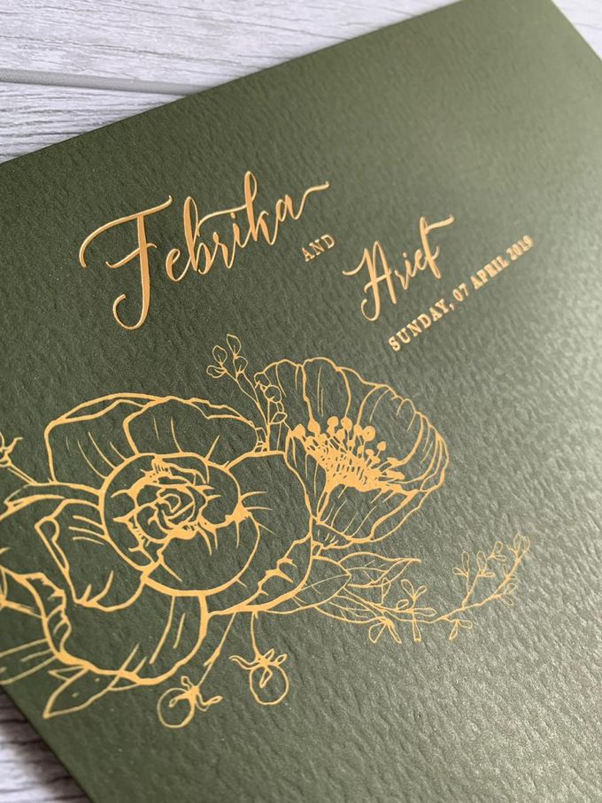 Green Floral by Trouvaille Invitation - 005