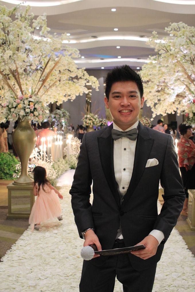 MC Wedding Santika Premier Hayam Wuruk - Anthony Stevven by ENST Couture - 006