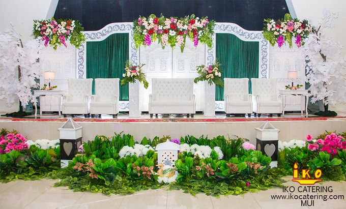 Dekorasi Pelaminan by IKO Catering Service dan Paket Pernikahan - 004